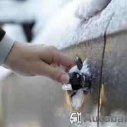Почему примерзают двери в машине и что делать в таких случаях?