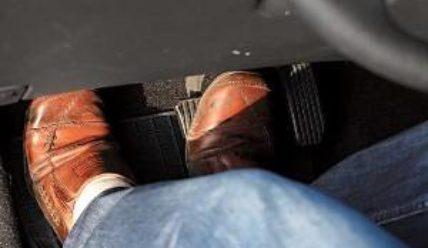 Как устранить тугой ход педали муфты сцепления Hyundai Solaris