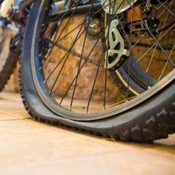 Как правильно заклеить велосипедную камеру в домашних и полевых условиях