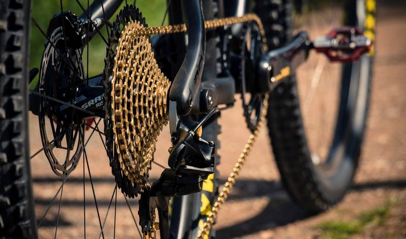 на велосипеде не переключается передняя передача