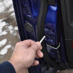 Сел аккумулятор и не работают замки: как закрыть машину