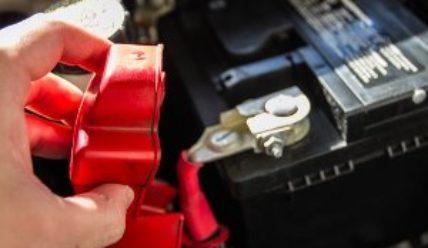 Сколько служит аккумулятор в машине. 3-4 года – не предел!