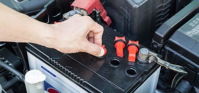 как часто меняют аккумулятор в автомобиле