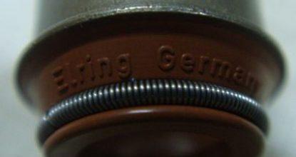 Как поменять сальники клапанов на автомобиле Lada 110