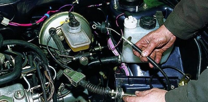 замена тросика сцепления на авто ВАЗ 2114