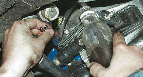 как прокачать сцепление на автомобиле ВАЗ 2107