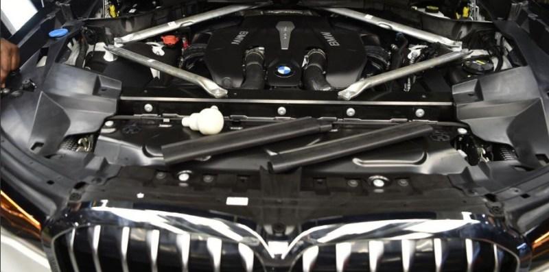 Кроссовер BMW X7 и цена в России новой модели