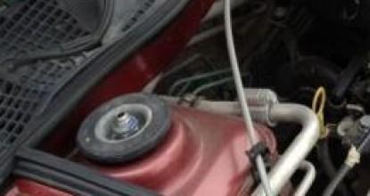 Когда и как заменить опорный подшипник на автомобиле Renault Logan?